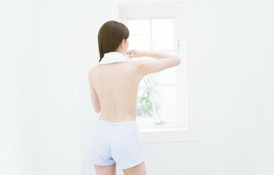 产后胸部下垂怎么办?四招帮你恢复!