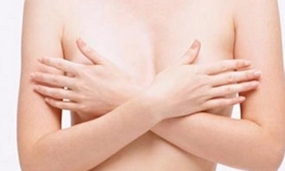 经期乳房胀痛正常吗?出现这4种情况时需尽早就医