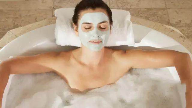 用香皂洗澡,别碰乳房是正确的!
