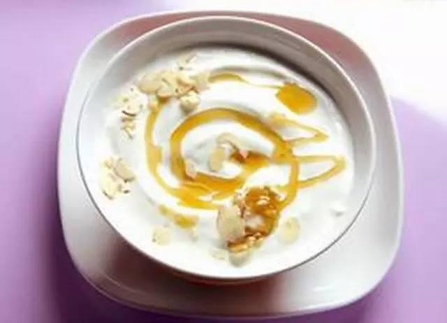 酸奶+3种食物:吃出丰胸+预防胸下垂!