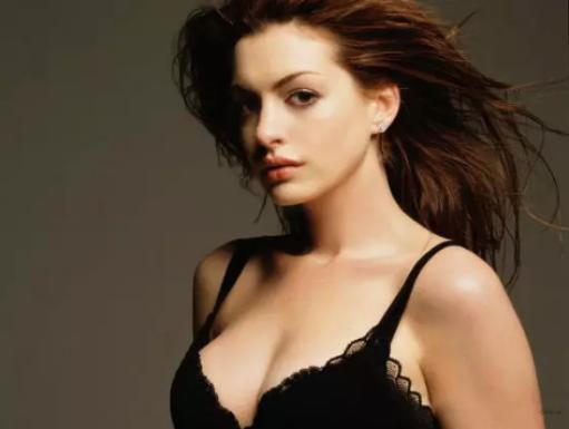女人胸部为什么会一个大一个小?你不知道的那些事