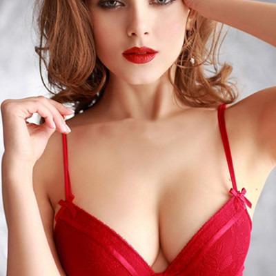 胸部皮肤如何保养:乳房保养秘诀让美女人更魅力性感