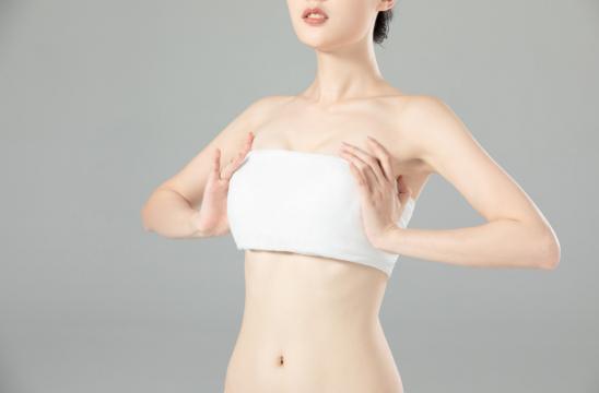 生完孩子后,为什么胸部加速松弛下垂呢?
